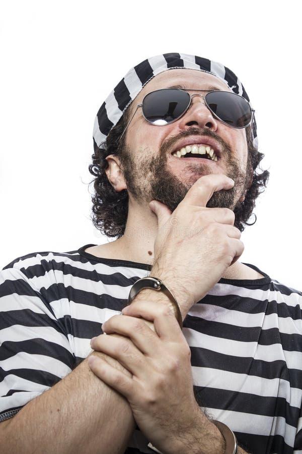 Φυλακή, απελπισμένη, πορτρέτο ενός φυλακισμένου ατόμων στην περιβολή φυλακών, στοκ φωτογραφίες με δικαίωμα ελεύθερης χρήσης