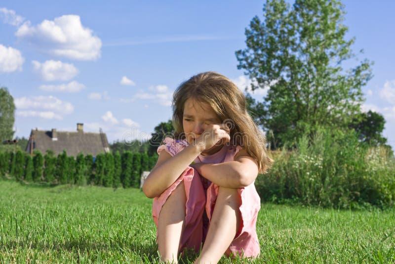 φωνάζοντας κορίτσι ελάχι&si στοκ φωτογραφίες