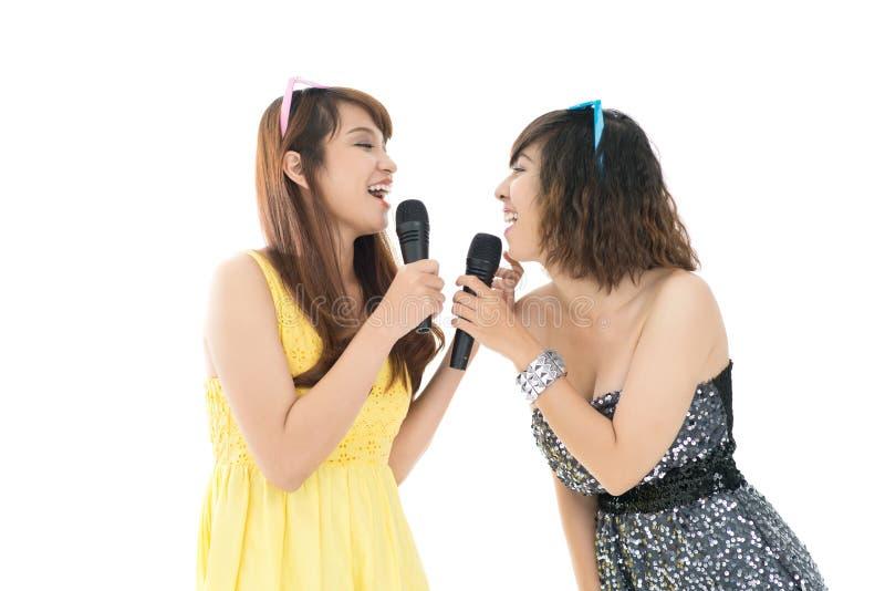 Φωνητικά κορίτσια στοκ φωτογραφία με δικαίωμα ελεύθερης χρήσης