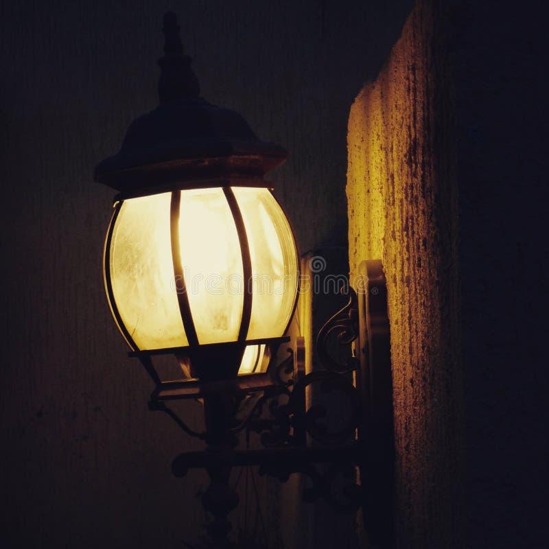 Φως λαμπτήρων τοίχων στοκ φωτογραφία