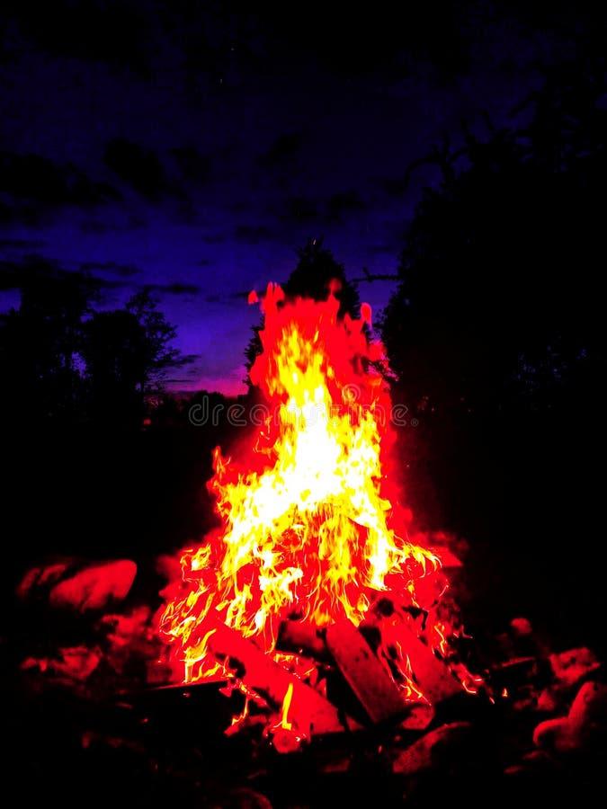 Φως στο σκοτάδι στοκ εικόνα με δικαίωμα ελεύθερης χρήσης