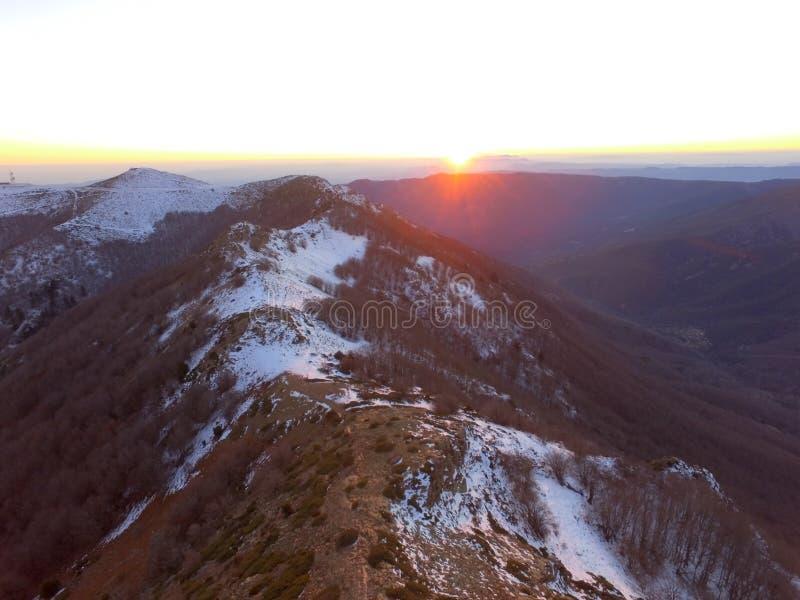 Φως του ήλιου στο βουνό στοκ εικόνα με δικαίωμα ελεύθερης χρήσης