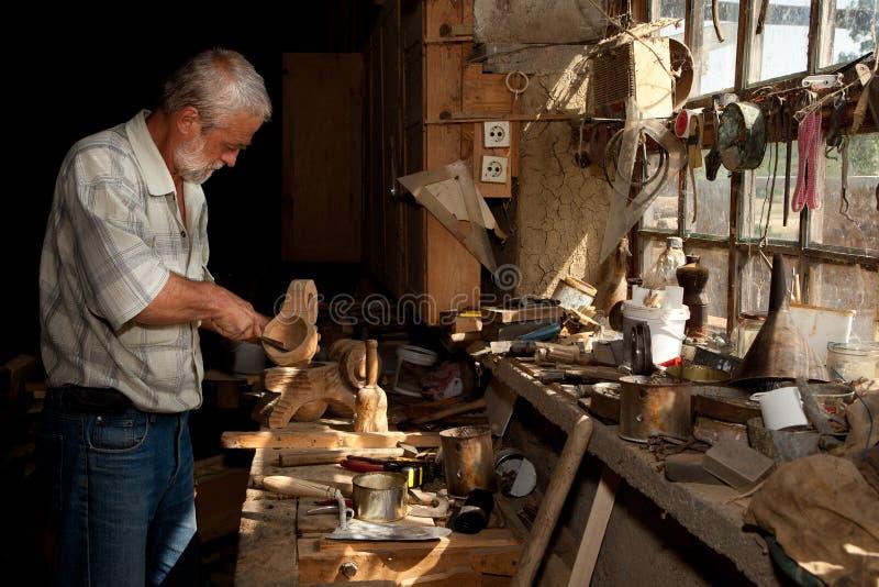 Φως του ήλιου στο υπόστεγο ξυλουργών στοκ φωτογραφίες με δικαίωμα ελεύθερης χρήσης