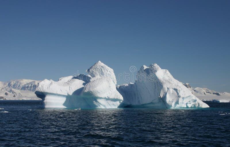 Download φως του ήλιου τοπίων παγό& στοκ εικόνες. εικόνα από θάλασσα - 13176164