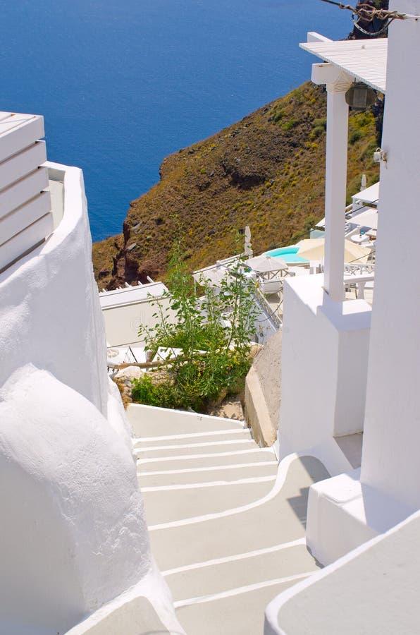 Φωτεινά σκαλοπάτια στο νησί Santorini, Ελλάδα στοκ εικόνες με δικαίωμα ελεύθερης χρήσης