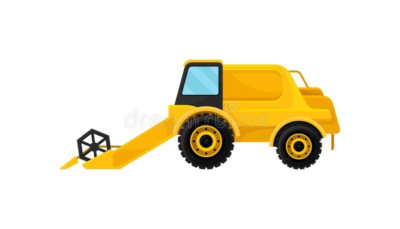 Φωτεινός κίτρινος συνδυάζει τη θεριστική μηχανή πίσω από το αγροτικό παλαιό άροτρο εξοπλισμού που τραβά το ίχνος τρακτέρ Σύγχρονο απεικόνιση αποθεμάτων