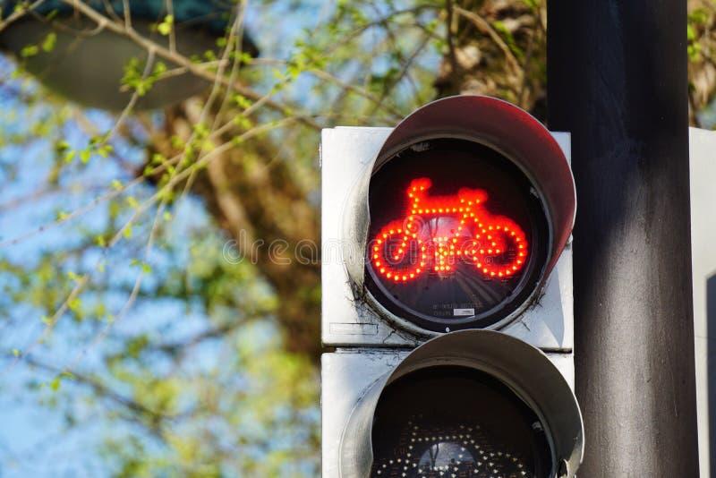 Φωτεινός σηματοδότης στο δρόμο στοκ φωτογραφίες με δικαίωμα ελεύθερης χρήσης