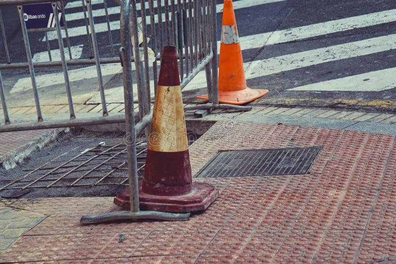 Φωτεινός σηματοδότης στο δρόμο στοκ φωτογραφία