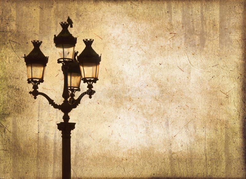 Φωτεινός σηματοδότης στο ηλιοβασίλεμα, εκλεκτής ποιότητας υπόβαθρο σεπιών στοκ φωτογραφίες με δικαίωμα ελεύθερης χρήσης