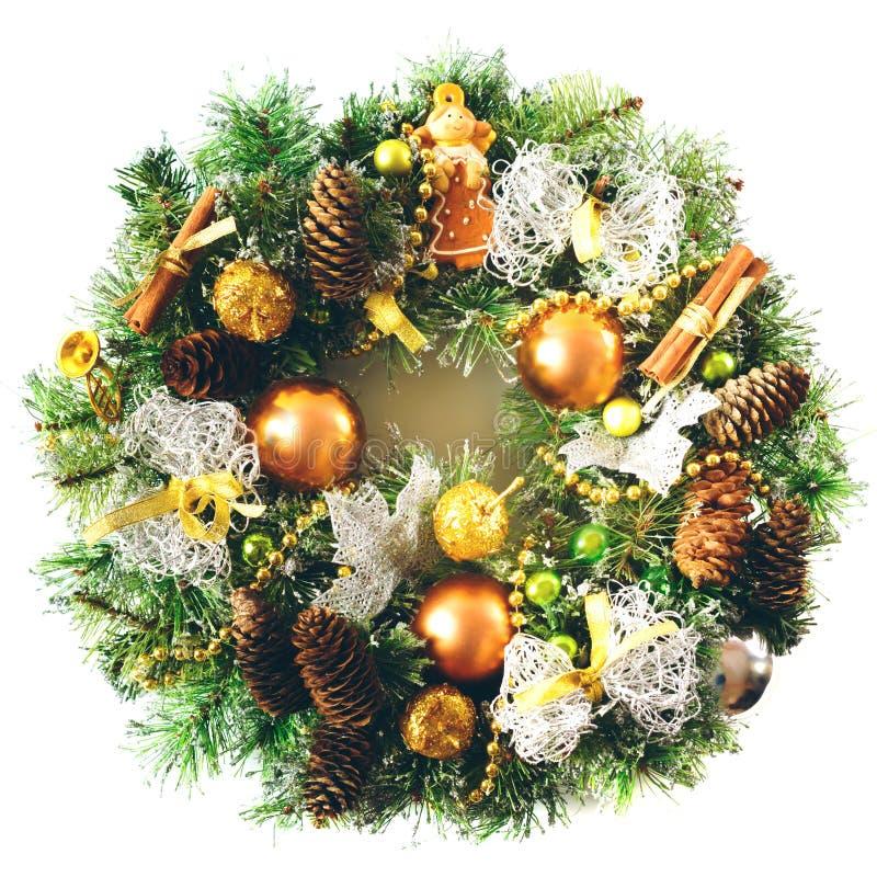 Φωτεινό στεφάνι Χριστουγέννων στο άσπρο υπόβαθρο στοκ εικόνες με δικαίωμα ελεύθερης χρήσης