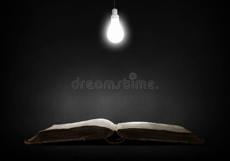 Φωτεινό φως της εκπαίδευσης στοκ εικόνες