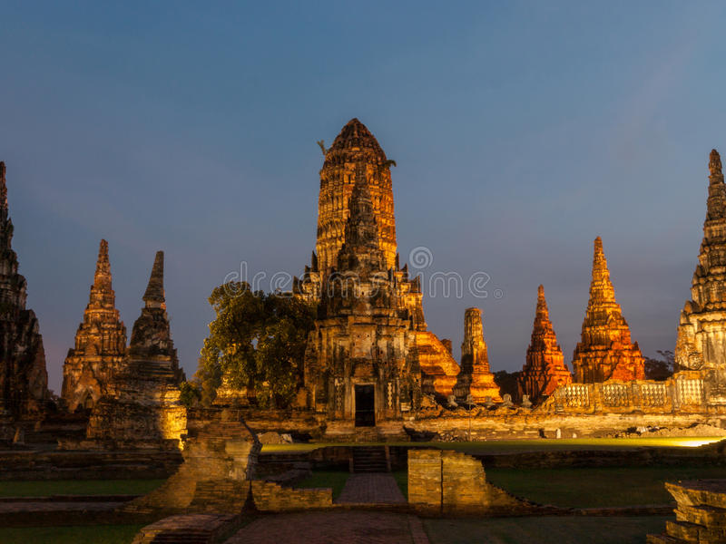 Φωτισμένος ναός σύνθετος σε Ayutthaya, Ταϊλάνδη στοκ φωτογραφίες με δικαίωμα ελεύθερης χρήσης
