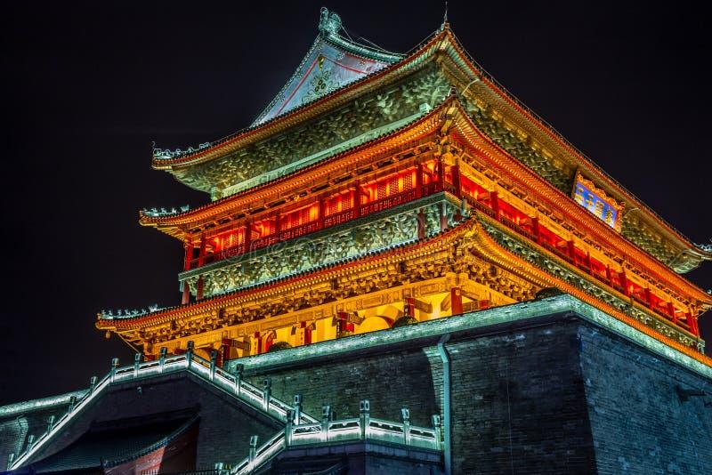 Φωτισμένος ναός Bell Tower του Xi',an, νυχτερινή σκηνή, Xian, επαρχία Shaanxi, Κίνα στοκ φωτογραφίες