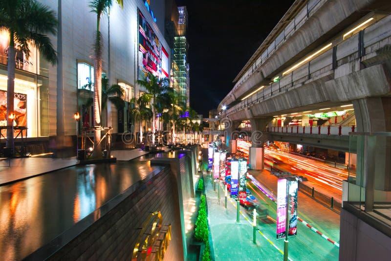 Φωτισμός νύχτας της Μπανγκόκ στοκ φωτογραφίες