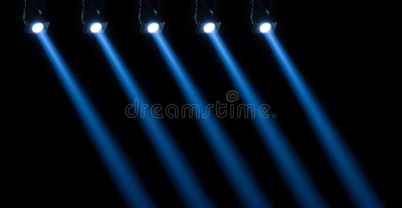 Φωτισμός συναυλίας σε ένα σκοτεινό κλίμα στοκ φωτογραφία με δικαίωμα ελεύθερης χρήσης