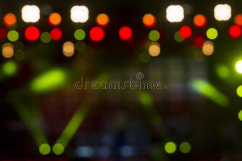 Φωτισμός συναυλίας ψυχαγωγίας Defocused στη σκηνή, bokeh στοκ εικόνα με δικαίωμα ελεύθερης χρήσης