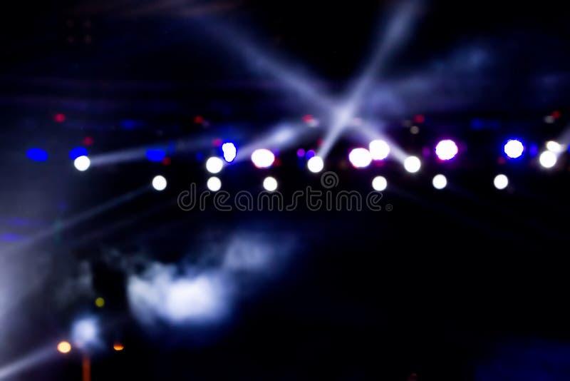 Φωτισμός συναυλίας ψυχαγωγίας Defocused στη σκηνή, bokeh στοκ εικόνες με δικαίωμα ελεύθερης χρήσης