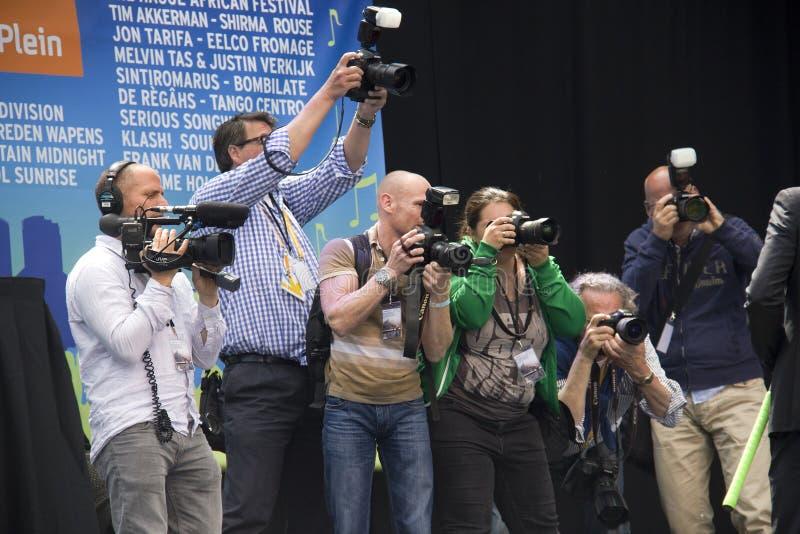 Φωτογράφοι που παίρνουν τις εικόνες στοκ φωτογραφία
