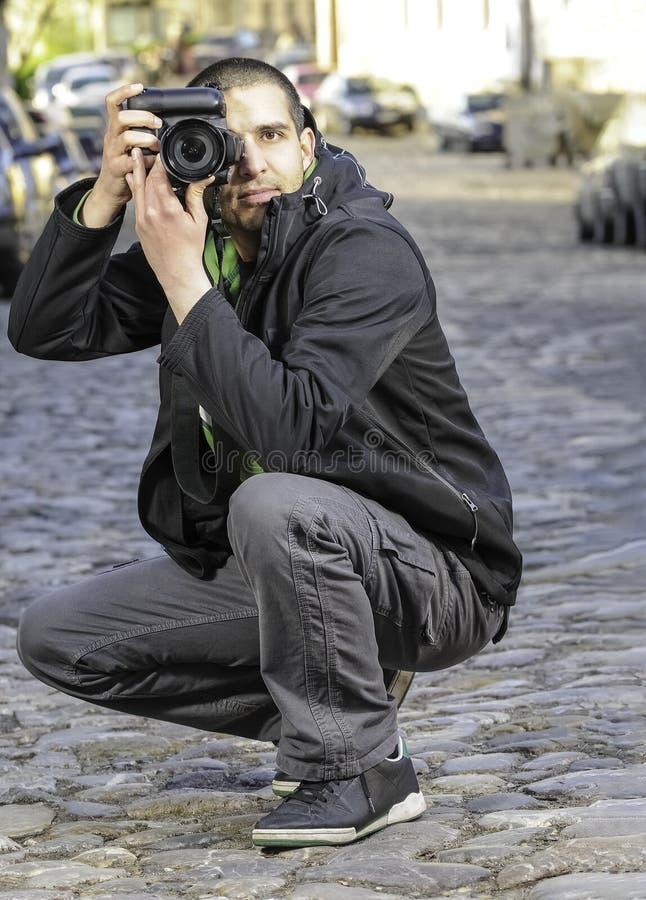 Φωτογράφος που παίρνει τη φωτογραφία στοκ φωτογραφία με δικαίωμα ελεύθερης χρήσης