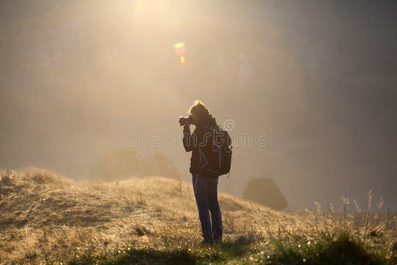 Φωτογράφος το πρωί στοκ φωτογραφία με δικαίωμα ελεύθερης χρήσης