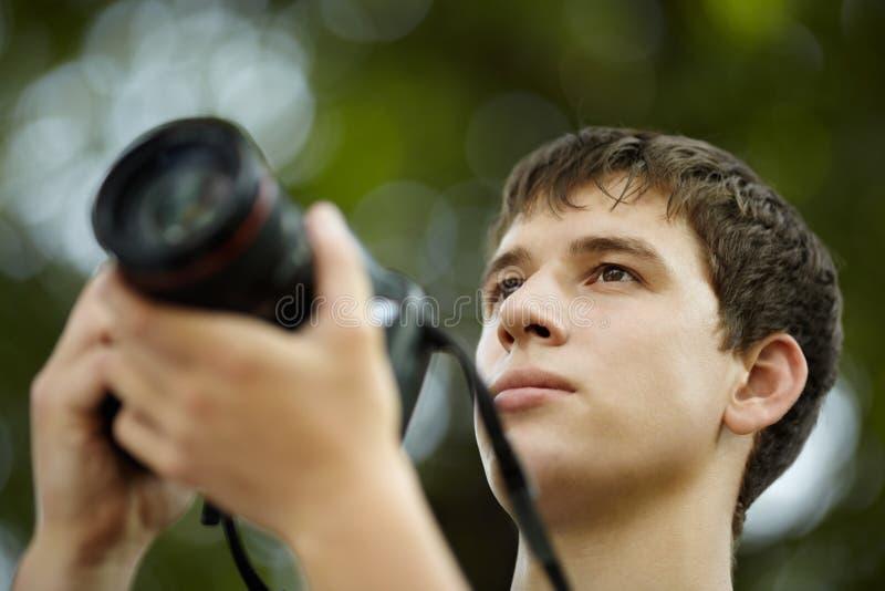 Download φωτογράφος στοκ εικόνες. εικόνα από νέος, υπαίθρια, φωτογράφος - 17059762
