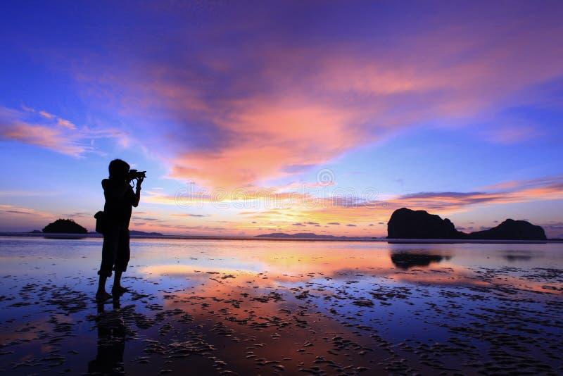 Download φωτογράφος στοκ εικόνα. εικόνα από φωτογραφία, αυγή, φωτογράφος - 22781913