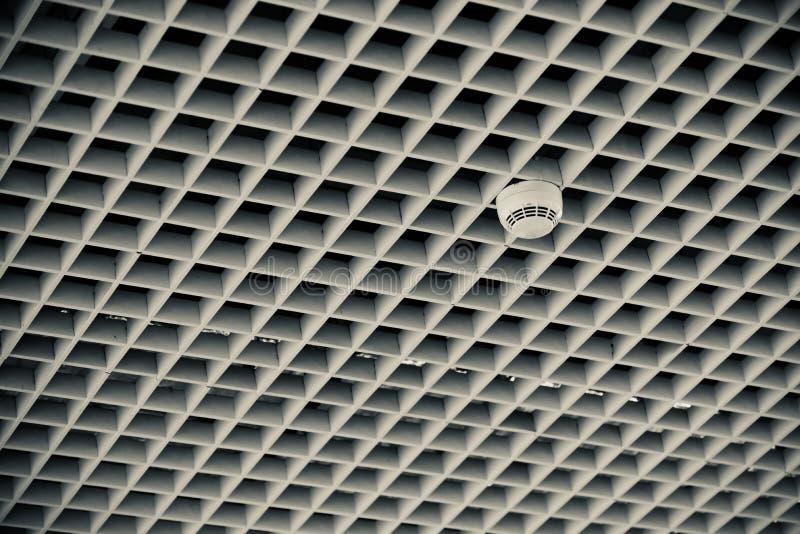 Φωτογραφία αποθεμάτων συσκευών ανιχνευτών καπνού ηλεκτρονικής στοκ εικόνα με δικαίωμα ελεύθερης χρήσης