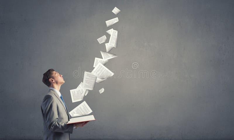 1 φωτογραφία επιχειρηματιών βιβλίων στοκ εικόνες με δικαίωμα ελεύθερης χρήσης