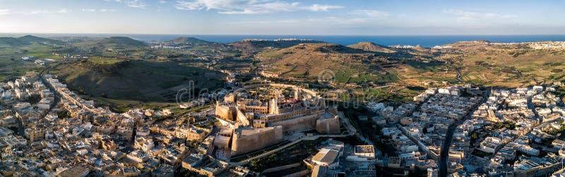 Φωτογραφία κηφήνων - η ακρόπολη Gozo στο ηλιοβασίλεμα Μάλτα στοκ εικόνες με δικαίωμα ελεύθερης χρήσης