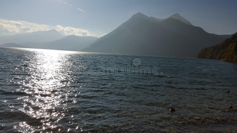 Φωτογραφία μιας λίμνης στοκ φωτογραφίες με δικαίωμα ελεύθερης χρήσης