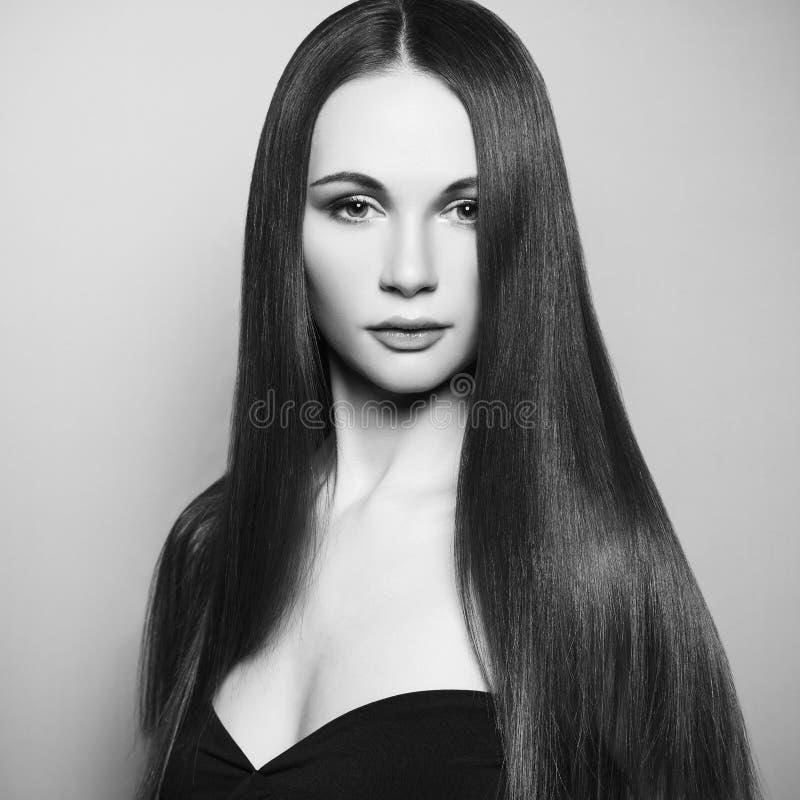 Φωτογραφία μόδας της όμορφης γυναίκας στοκ εικόνα