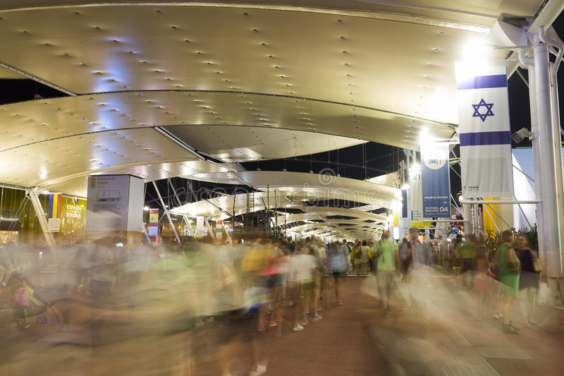 Φωτογραφία νύχτας HDR Galleria Vittorio Emanuele ΙΙ διακοσμητικό ανώτατο όριο στο Μιλάνο στοκ εικόνες