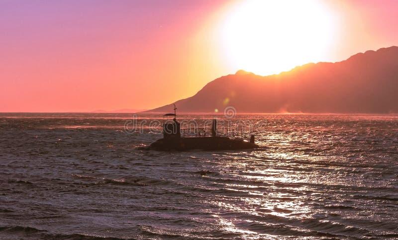 Φωτογραφία της Νίκαιας του πλέοντας υποβρυχίου σε μια ανοικτή θάλασσα στοκ εικόνες με δικαίωμα ελεύθερης χρήσης