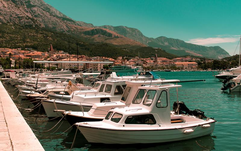 Φωτογραφία της Νίκαιας των πλέοντας βαρκών σε ένα λιμάνι στοκ εικόνα