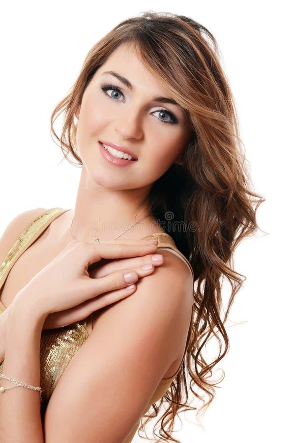 Φωτογραφία της όμορφης αισθησιακής γυναίκας με μακρυμάλλη στοκ εικόνες