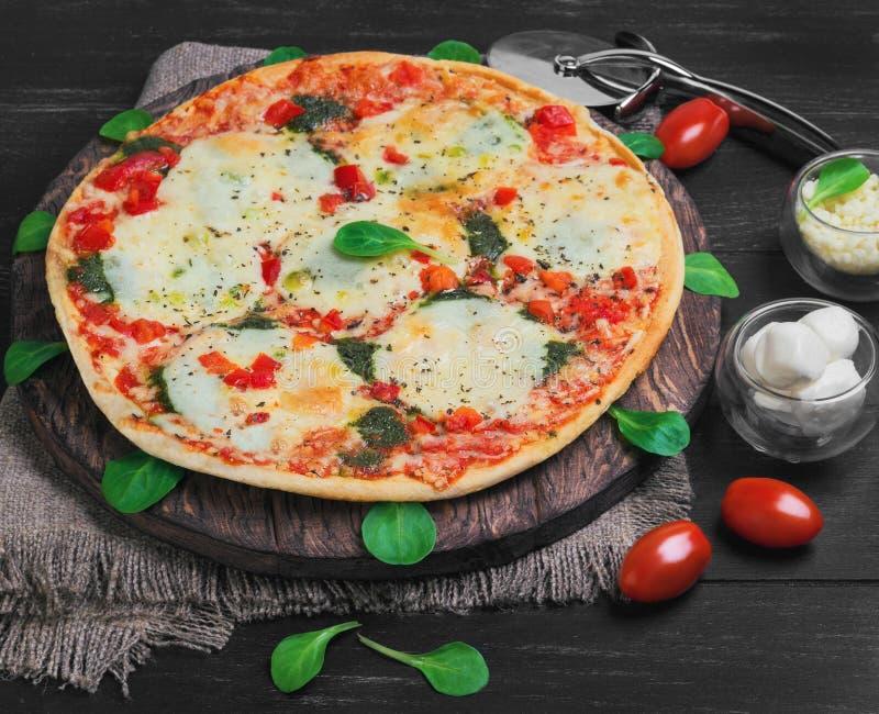 φωτογραφία τροφίμων μοτσαρελών πιτσών στοκ φωτογραφίες με δικαίωμα ελεύθερης χρήσης