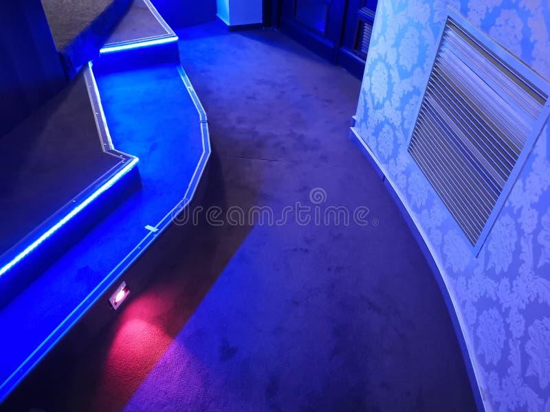 Φω'τα ελέγχου στο διάδρομο στον κινηματογράφο στοκ φωτογραφία με δικαίωμα ελεύθερης χρήσης