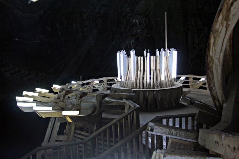 Φω'τα και ξύλινες δομές στην αλυκή Turda στοκ φωτογραφίες με δικαίωμα ελεύθερης χρήσης