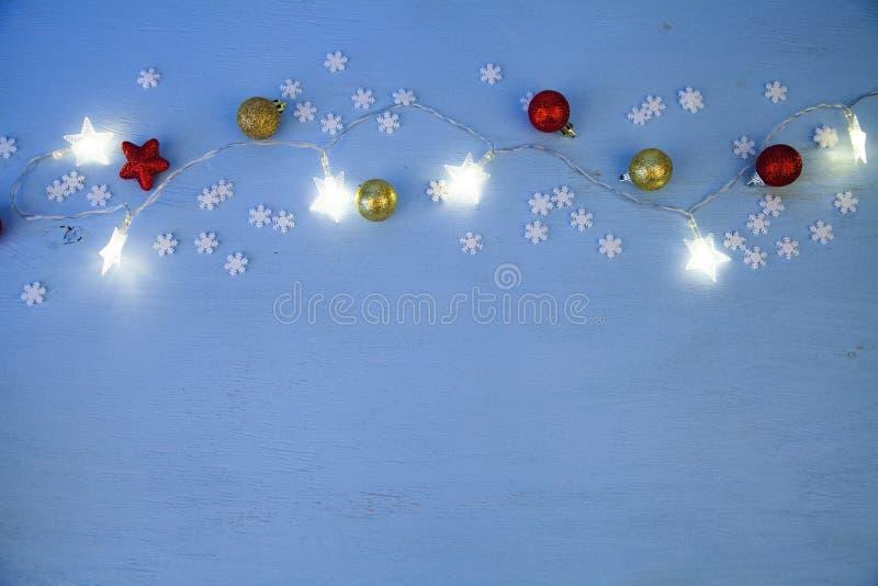 Φω'τα και σφαίρες Χριστουγέννων στοκ φωτογραφία