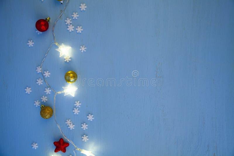 Φω'τα και σφαίρες Χριστουγέννων στοκ εικόνες με δικαίωμα ελεύθερης χρήσης