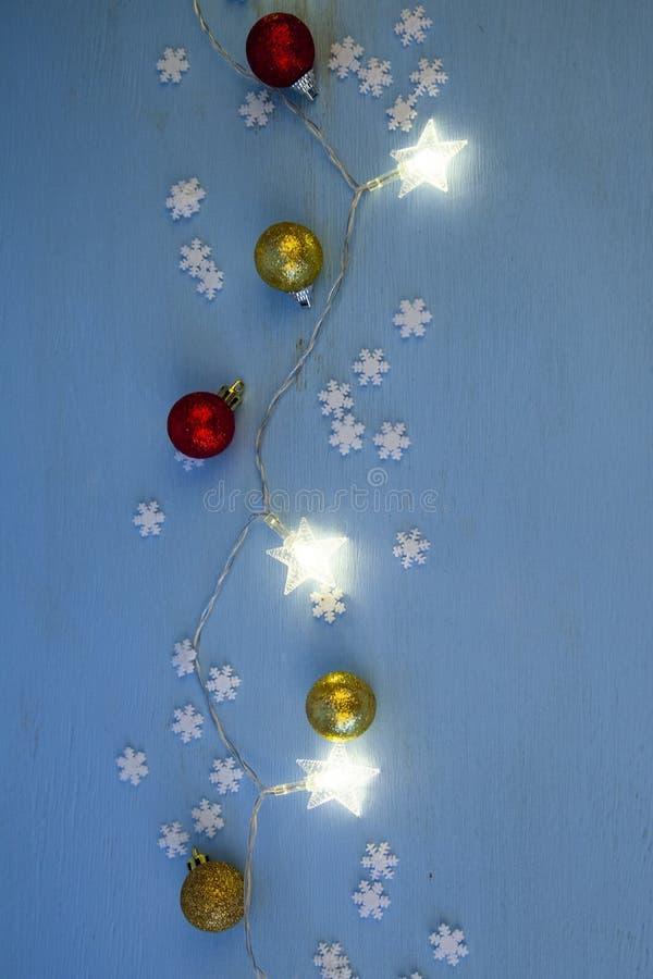 Φω'τα και σφαίρες Χριστουγέννων στοκ εικόνες
