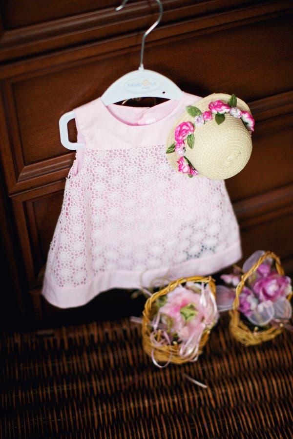 Φόρεμα για ένα μικρό κορίτσι στοκ εικόνες