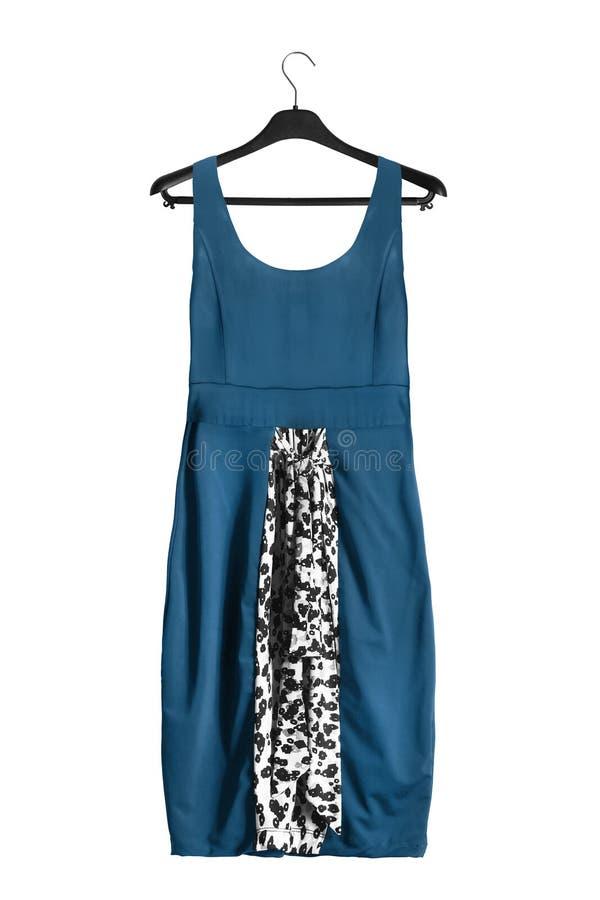 Φόρεμα στο ράφι ενδυμάτων στοκ εικόνες με δικαίωμα ελεύθερης χρήσης