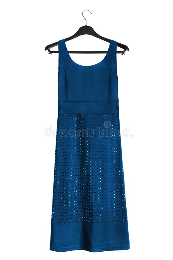 Φόρεμα στο ράφι ενδυμάτων στοκ εικόνα με δικαίωμα ελεύθερης χρήσης