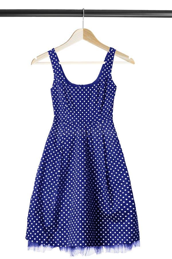 Φόρεμα στο ράφι ενδυμάτων στοκ φωτογραφία