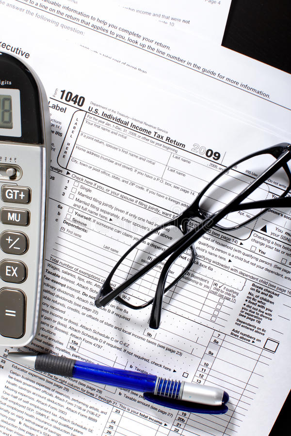 φόρος εισοδηματικής επι στοκ φωτογραφία με δικαίωμα ελεύθερης χρήσης