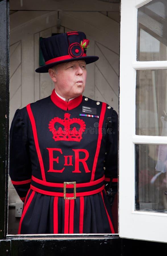 Φύλακας του πύργου του Λονδίνου στοκ εικόνες