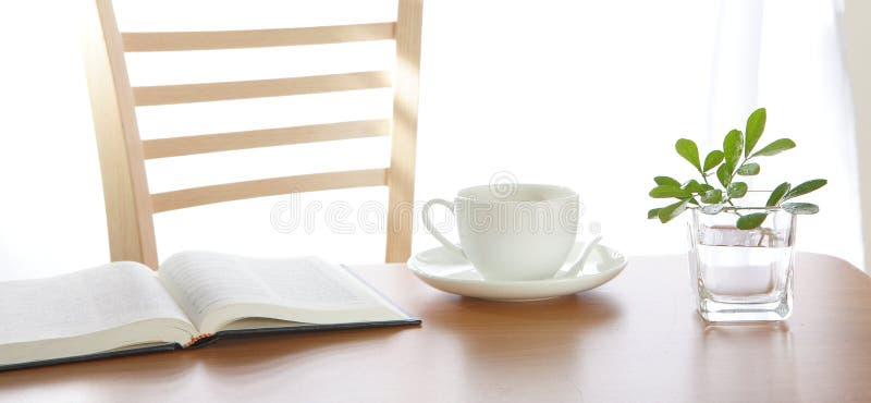 φύλλο διακοσμήσεων καφέ & στοκ φωτογραφία