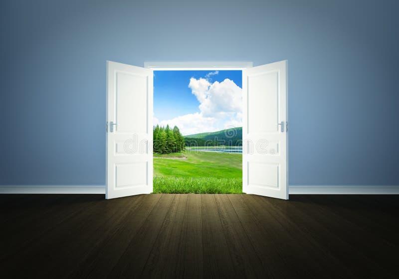 Φύση πίσω από την πόρτα απεικόνιση αποθεμάτων