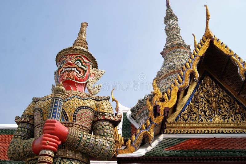 Φύλακας ναών στο μεγάλο παλάτι στη Μπανγκόκ στοκ φωτογραφίες
